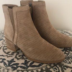 Splendid Boots- never worn!